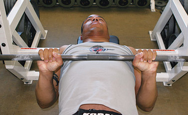 close grip bench press elbows