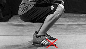 squats toes